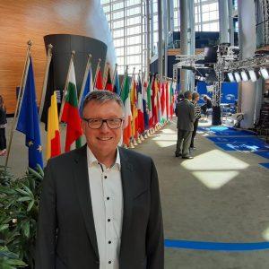 Schuster Straßburg Flaggen Auschuüsse